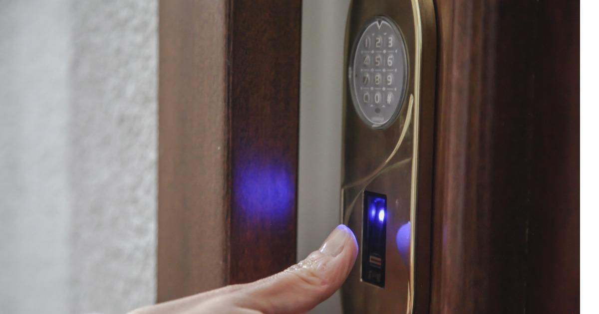 Porta blindata lettore biometrico